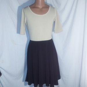 LuLaRoe Amelia Colorbock Cream / Black Dress XL